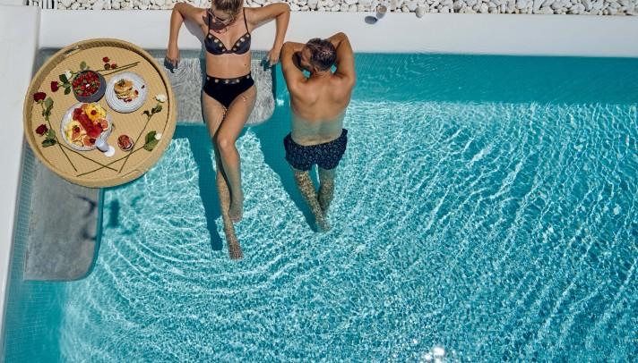 To brand του Adorno Beach Hotel & Suites ενισχύουν δυναμικά βίντεο