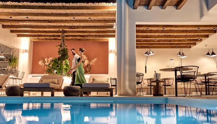 Adorno Beach Hotel & Suites: Ένα βραβευμένο ξενοδοχείο με ταυτότητα